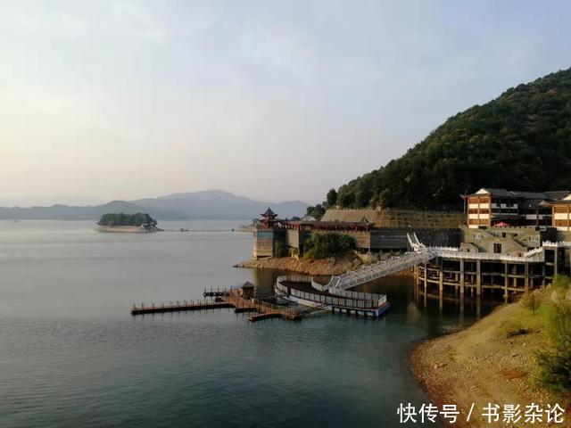 上百南京人跑到安徽去游泳,当地副县长亲自会见