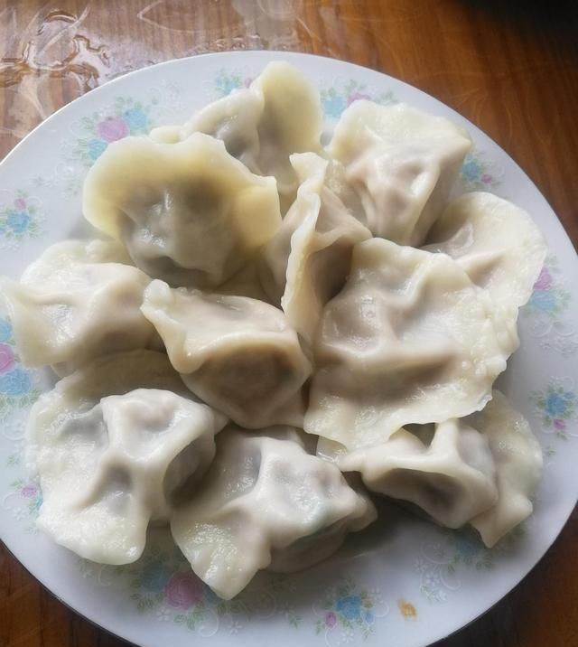 葱姜花椒水■不管调什么饺子馅,放这3样,好吃的不得了,比饺子馆做得还