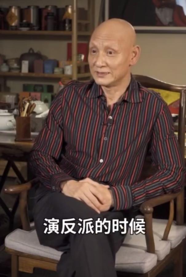 61岁老反派杜玉明近照曝光,曾演杜月笙爆火,却患病掉光头发眉毛