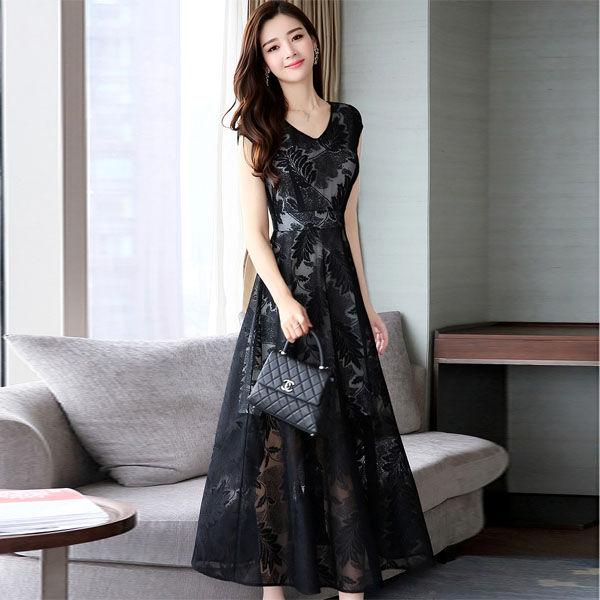 倘若你是70后,收入不错的话,多穿这大牌精致裙