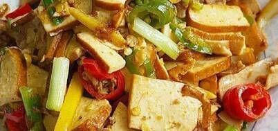 茄子@辣椒炒肉、酸辣肥肠和茄子烧土豆干粮推荐