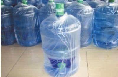 烧开的自来水和桶装水,哪种水最安全卫生?可能很多人都不清楚