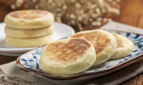 『松软』家常美食豆沙发面饼,外酥里嫩松软香甜,超简单好做的快手早餐