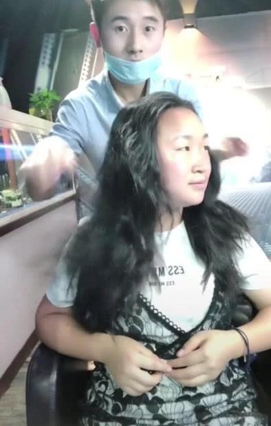 换脸级别的发型,大妈变少女,网友:整容也不过如此!