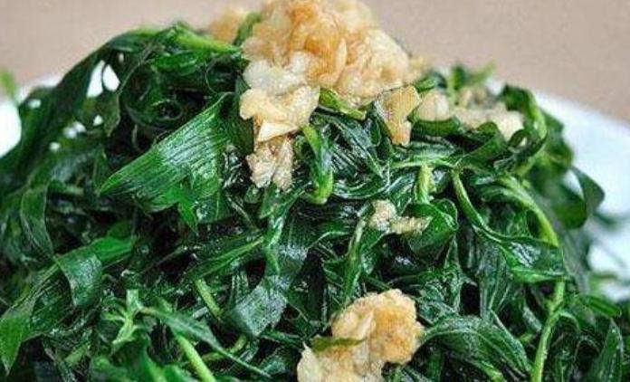 把扫帚菜@农村常见的这种野菜,清湿热还利尿,再不吃就长成野草!