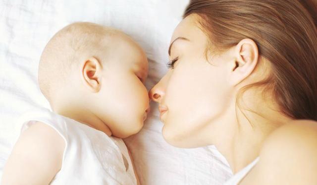 婴儿开心 证明被养育得很好 这20个信号就可以判断宝宝是否开心