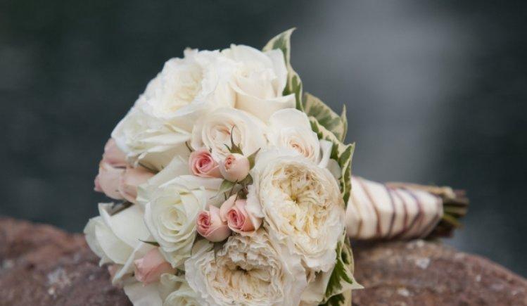 心理测试:若你结婚,最想要哪款手捧花,测你会在何时结婚!