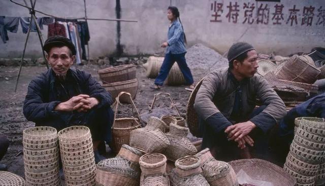 80年代的中国农村:只有从农村出来的人才真正理解,图4你也一定做过