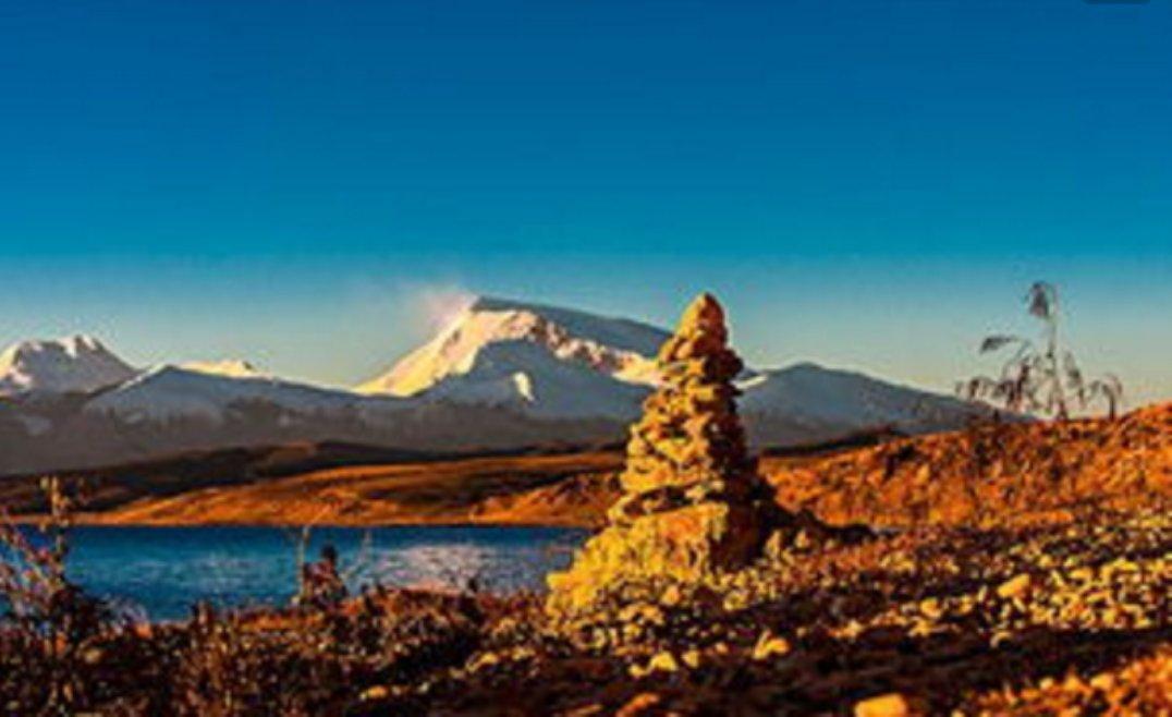 在西藏,如果有个藏族姑娘蹲在草丛边对你笑,千万别过去!