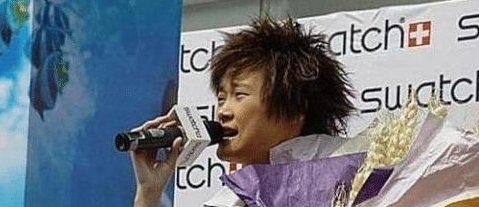 李宇春那些年的照片,真的恨不得删了,只是当年太年轻