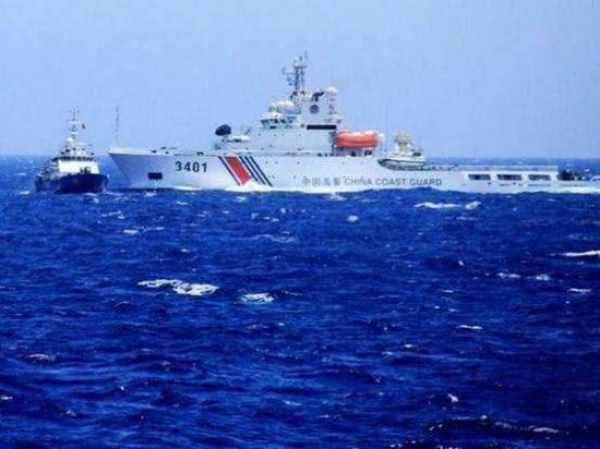 中国海警在黄岩岛强势出击:这国只能跪地求饶