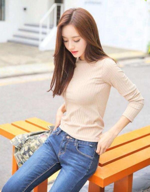 大方典雅的牛仔裤美女,拉长身材曲线 热点 热图6