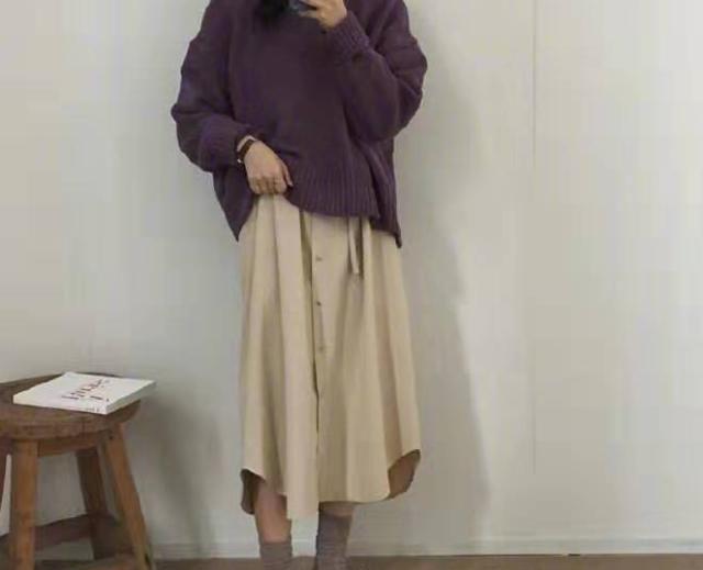 [针织衫]针织衫怎么搭配更时尚?5个穿搭小技巧,百搭又温柔