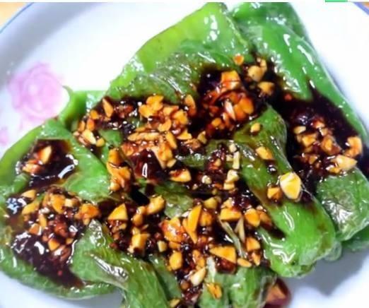 青椒最好吃的新做法,秒杀青椒炒蛋,每次都扫盘,比吃肉过瘾!