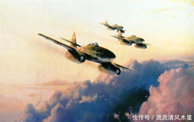 战机被撞失控,飞行员紧急跳伞逃生,不料却降到自家后花园