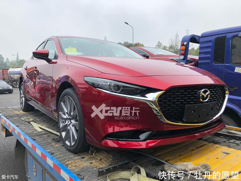 2019成都车展探馆全新马自达3昂克赛拉