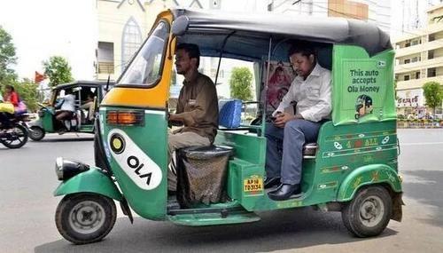 """[迪拜人请中国人吃饭]从购物、出行到吃饭,中国人都在""""帮""""印度人走进现代生活"""