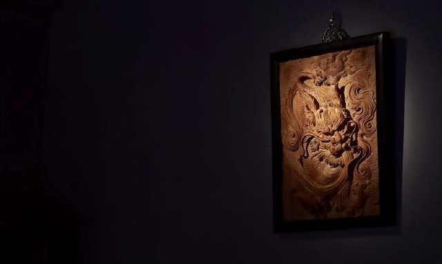 麒麟镇宅挂屏,缅甸花梨木手工雕刻