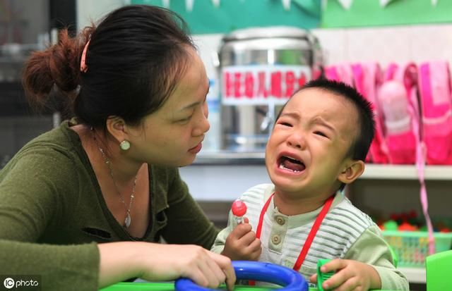<b>孩子不顺心就发脾气怎么办?心理学:父母警惕孩子�绱嬖凇吧ナЦ小�</b>