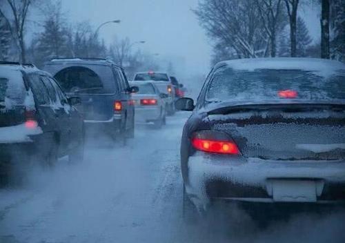"""冬天可以直接开""""暖风""""吗?老司机:油耗高还损伤发动机,车子寿命也会缩短"""