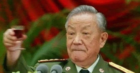 Çin Halk Cumhuriyetinin 8.ve 9. Dönem Savunma bakanı General Chı Haotian (迟浩田)