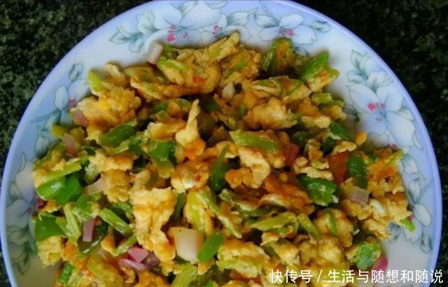 青辣椒@青椒滑蛋,先炒青椒还是先炒蛋做对了,青椒翠绿鸡蛋嫩滑