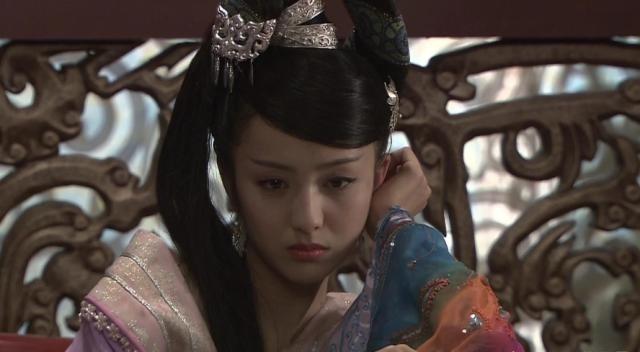 皇帝■她为了皇后之位,将亲妹妹献给皇帝,妹妹最终服毒自尽