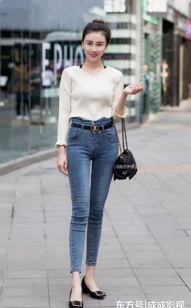 『呈现』青春年少动感的牛仔裤美女,呈现女士年青气场