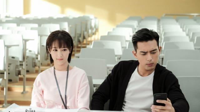 佟年能让韩商言爱得无法自拔,除漂亮以外,更是她身上的3种特质