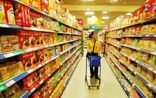 """『超市』超市里这4种食物再""""便宜""""也不要买,内部员工透露:白送也不吃"""
