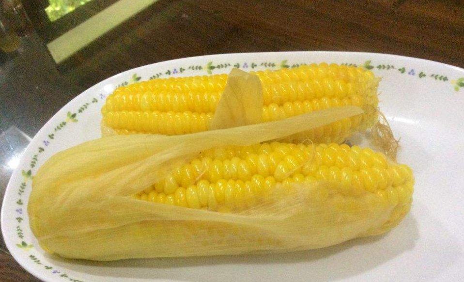 『口感』煮玉米难吗?厨师通常会加一些,玉米甜软糯比买好吃!