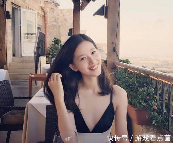 比刘强东只大5岁的丈母娘长啥样?照片曝光后,网友:我凌乱了