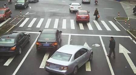 交警提醒:新手實習期開車上高速公路,看到直接扣12分重新考試