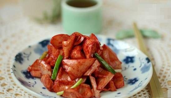 『家常菜』在家常菜分享几位美味的厨师:南乳春笋、培根芦笋、南乳蹄髈