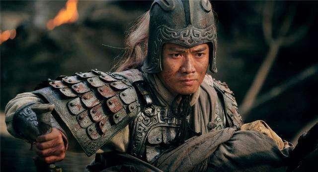 「关羽」张飞一生比关羽还高傲,除了刘关之外只佩服4人,3位军师1位大将