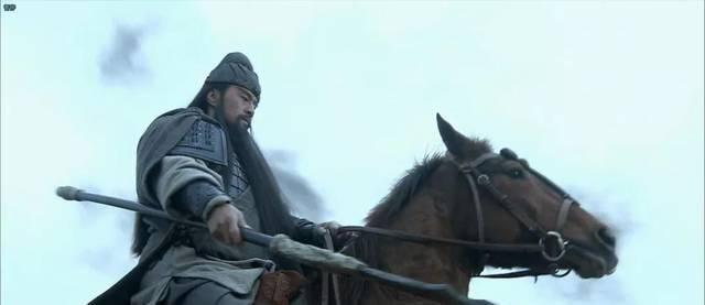 关羽的刀80多斤,张飞的矛60多斤,古人的兵器真有那么重吗?