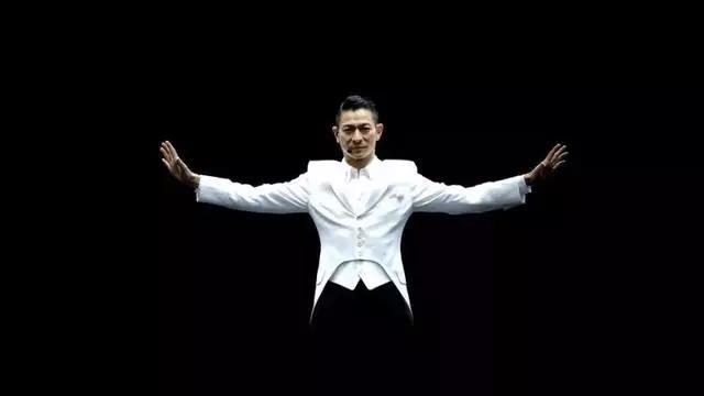 刘德华跨年演唱会售票处发生砍人事件,呼吁勿买黄牛票