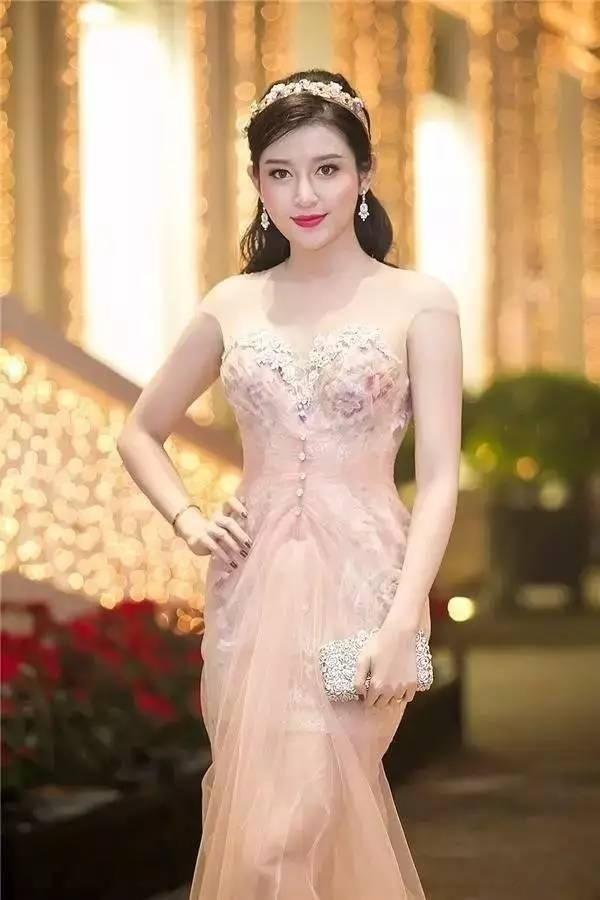 越南小姐阮陈玄眉 来看我 第24张