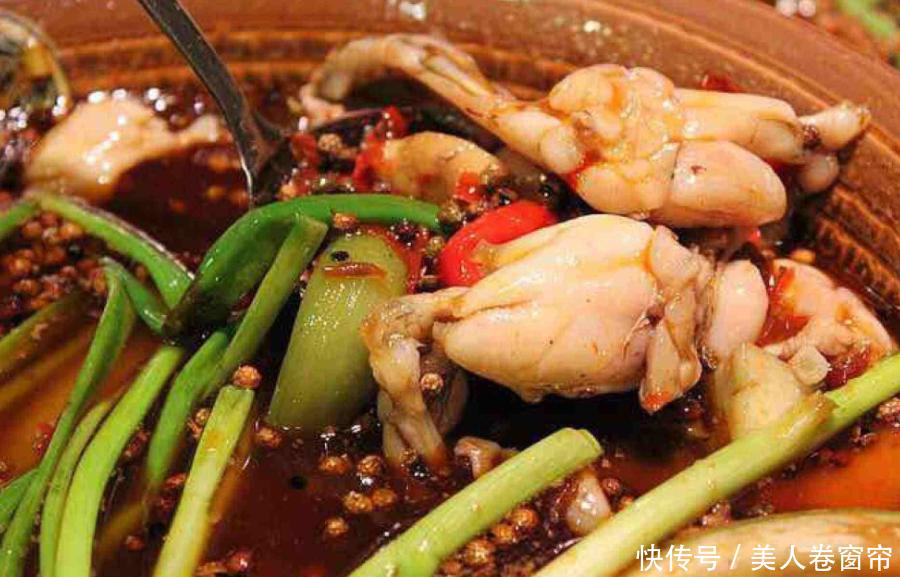 『崛肥』香葱肥鸡和草菇崛肥鸡到底哪个更有营养呢,你们想知道吗