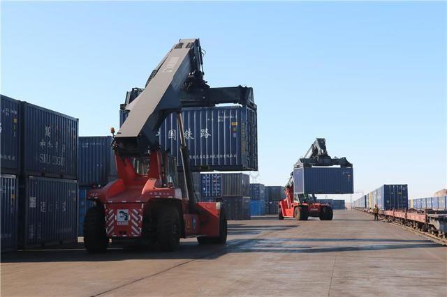 【货运】铁路推进货运增量助力新疆经济发展