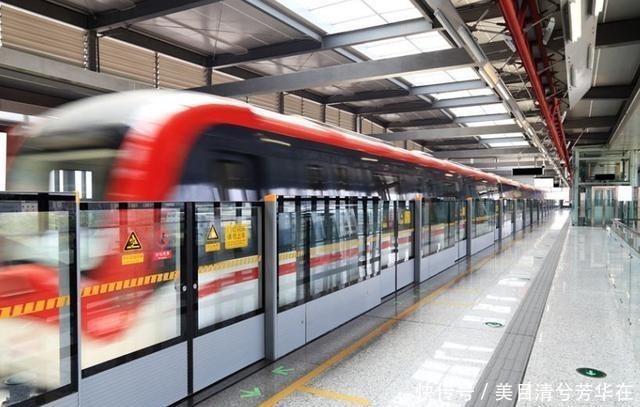 「国家的地铁」老外评价日中俄三国地铁,日本安静,俄罗斯艺术