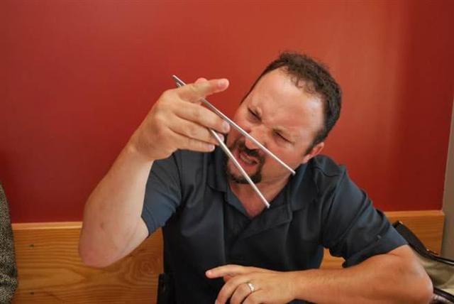 中国人为什么用筷子吃东西?瞧瞧外国网友怎么回答,老外理由亮了(三)