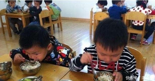 [孩子自]儿子说幼儿园饭菜好吃,每顿都吃光盘,看见照片后妈妈彻底懵
