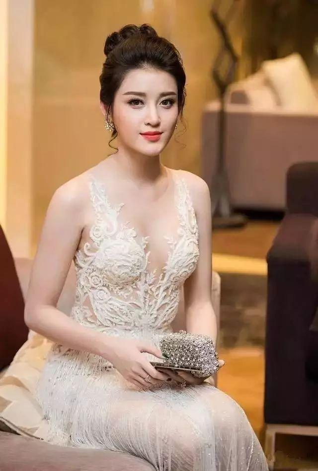 越南小姐阮陈玄眉 来看我 第9张