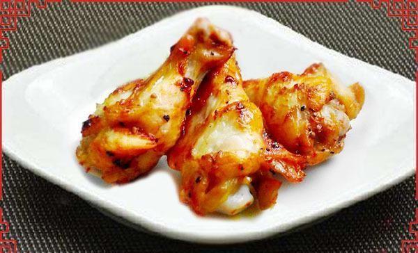 【皮肤】鸡翅根怎么做好吃?现在教你做法,鲜香入味,肉质细嫩