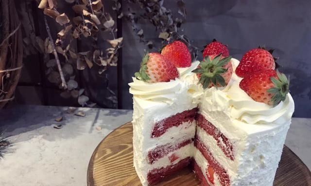 「草莓」草莓水果奶油蛋糕