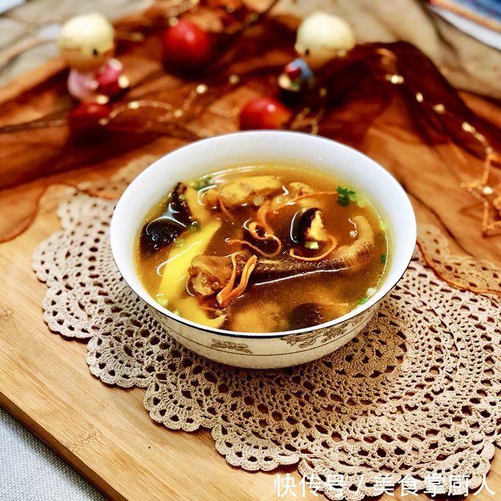 做一道食疗菜—虫草花煲土鸡汤,可益肝肾、补精髓、止血化痰