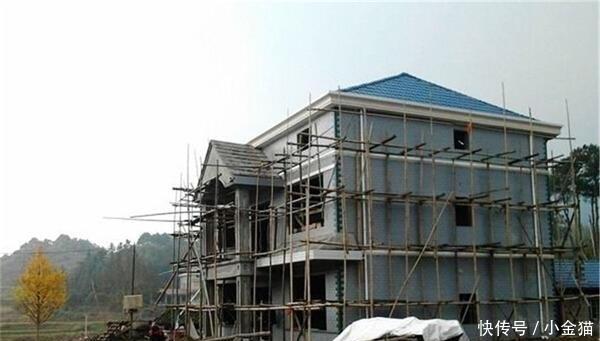 今年起,农村翻建房屋有新规定,5种情况禁止翻建,违者将被惩罚!