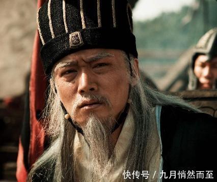 刘备落魄之际,水镜为何推荐诸葛亮却对侄子司马懿绝口不提现实