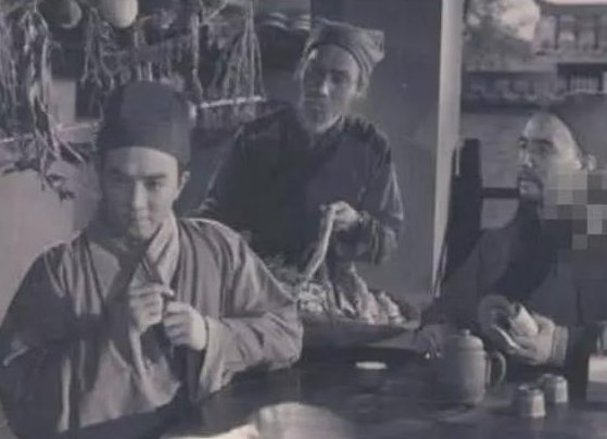 『李时珍』中国人为何不吃猫肉?原来李时珍早就已告诉我们答案,古人试过